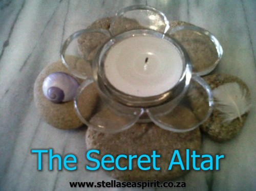A very simple secret altar | www.stellaseaspirit.co.za